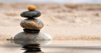 Balancing Debt Repayment with Savings